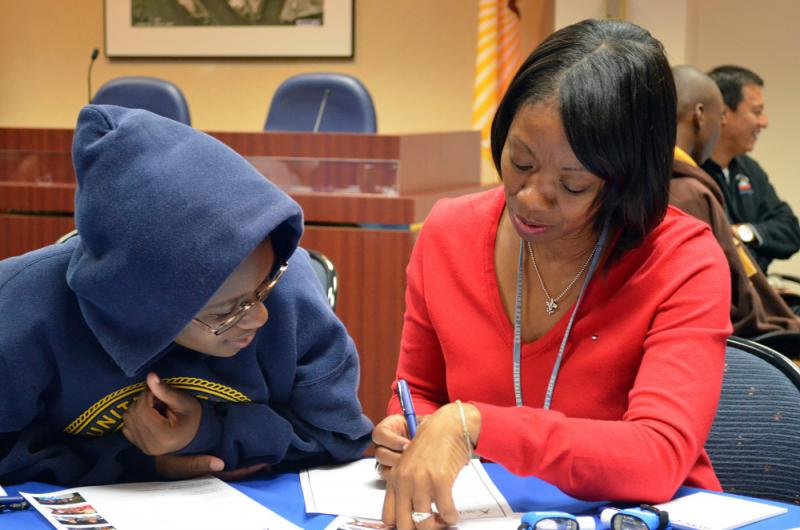 JAXPORT workers serving as mentor in student program