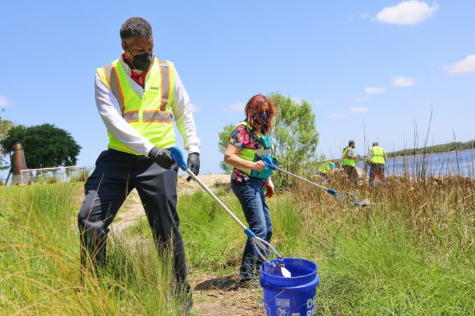 JAXPORT employees celebrate Earth Day with clean-up events along the St. Johns River